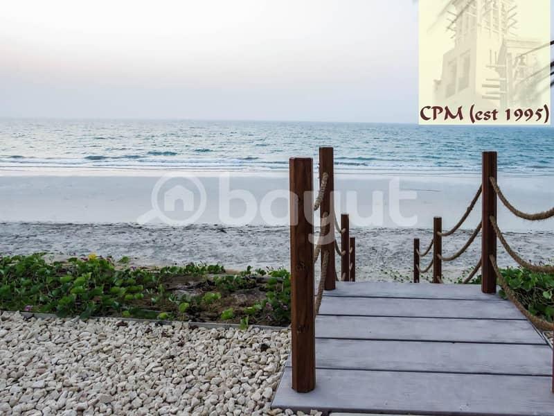 17 FOR RENT  Exclusive Hidd 7 bedroom  Beach  villa  -AED 540