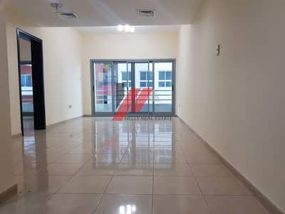 !! 1000 Sqft 1 month free (( All Facilities )) Close to NMC !! Luxurious 1 bhk Apt 2 Bath .