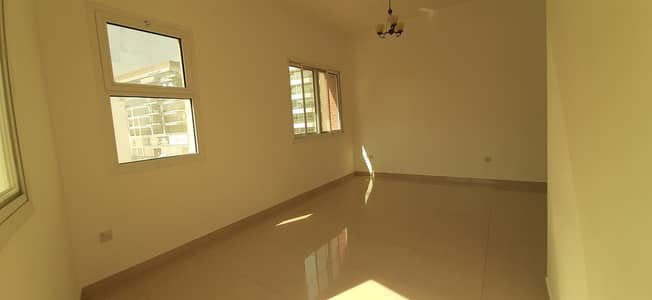 Best Deal | Close to Metro I 2 BHK with Balcony | Family Building I Closed Kitchen @65K