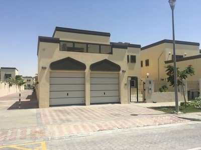 3 Bedroom Villa for Sale in Jumeirah Park, Dubai - New in Market Close to the Park 3 BR + Maid's room