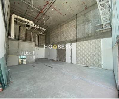 محل تجاري  للايجار في قرية جميرا الدائرية، دبي - Stuning Shop  For Rent in JVC|Shell and Core