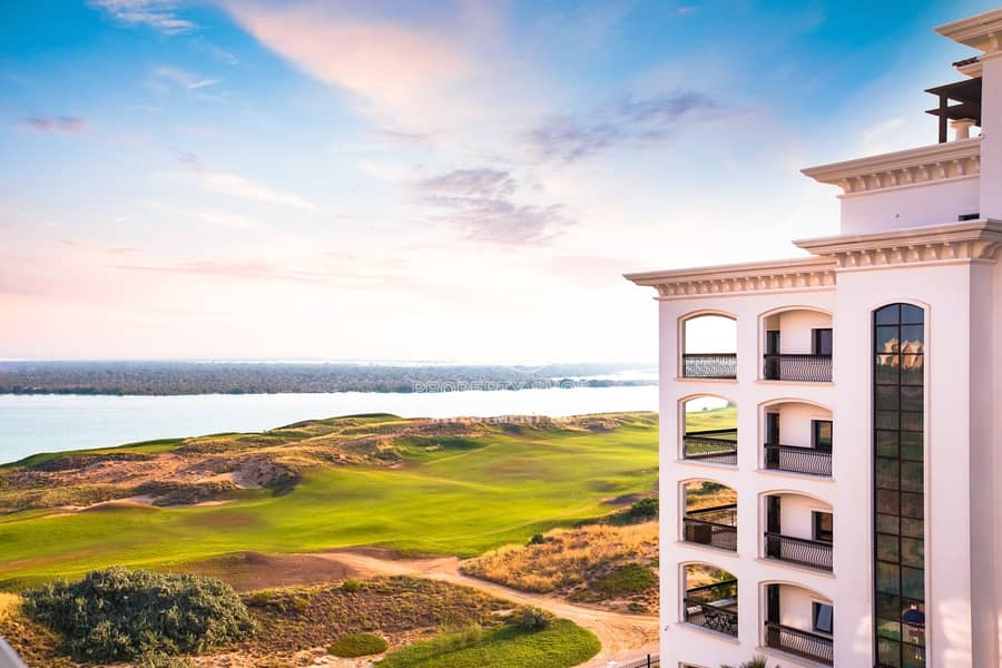 2 Magnificent Residence With Golf Course Views