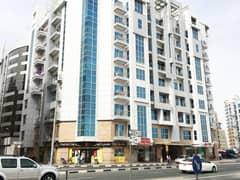 شقة في بناية صالح بن لحاج 365 البرشاء 1 البرشاء 1 غرف 50000 درهم - 4857765