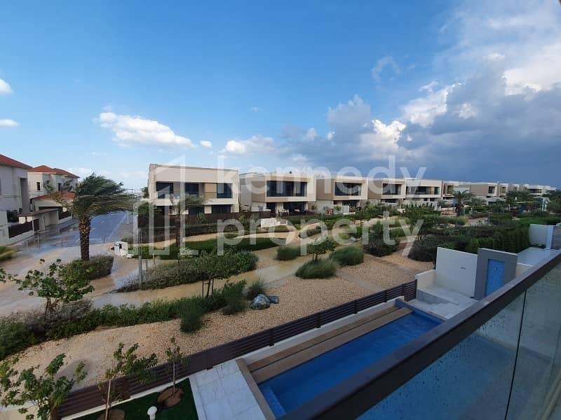 2 Amazing Corner Villa I Sea View I Spacious