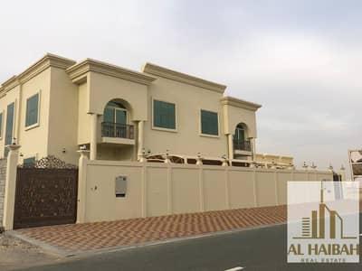 فیلا 8 غرف نوم للبيع في حوشي، الشارقة - For sale two villas on one land in Al - Hushi area