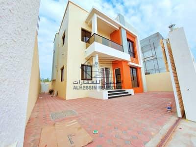 فیلا 4 غرف نوم للبيع في الياسمين، عجمان - فيلا جديدة أول ساكن في موقع ممتاز و بسعر جذاب