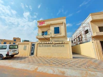 فیلا 6 غرف نوم للبيع في الياسمين، عجمان - فيلا جديدة بواجهة حجرية رائعة - تكييف مركزي للبيع بسعر جذاب