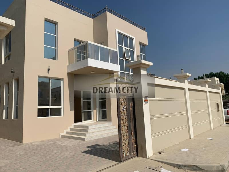 For sale, a villa for a shot in Ajman, an area of 5,000 feet, at a price of 1350000, the first inhabitant of the freehold for all nationalities