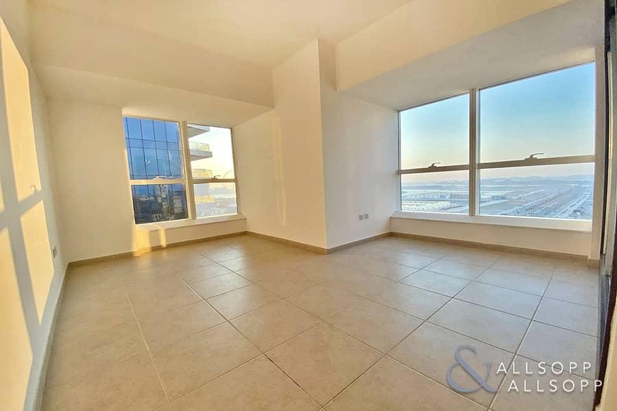 2 Bedrooms   Sea Views   Light & Spacious