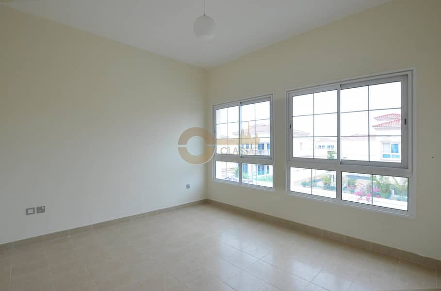 1 CORNER INDEPENDENT VILLA|2BED+MAID | MED.TYPE