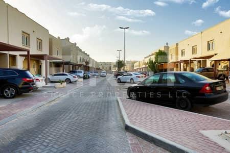 فیلا 2 غرفة نوم للبيع في الريف، أبوظبي - Best Buy!! Outstanding Double Row Villa.