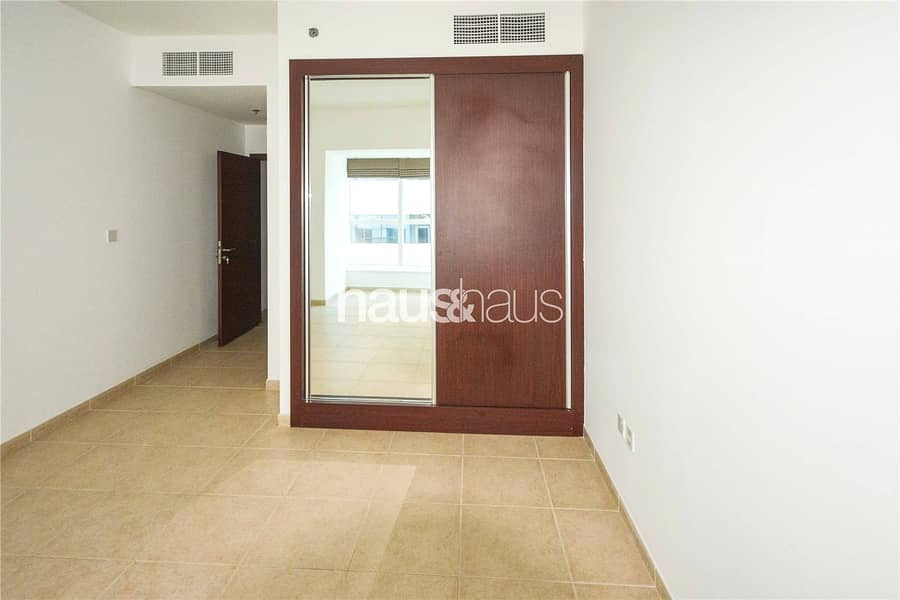 10 1 BR | Unfurnished | Available NOW