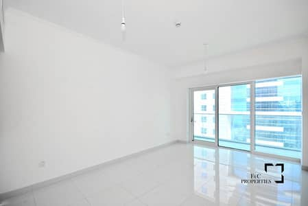 1 Bedroom Apartment for Sale in Dubai Marina, Dubai - Great Price | Mid Floor | Sea View