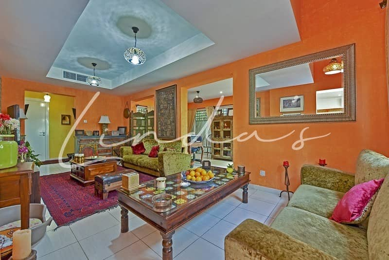 2 Beautiful Extended Upgraded Villa | Lake View