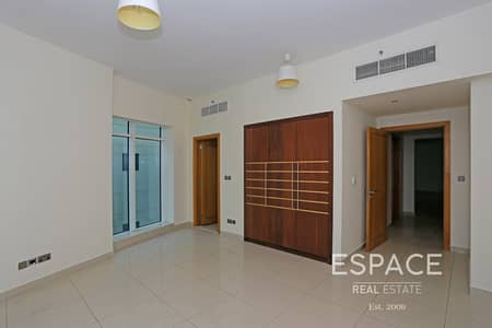 2 Bedroom Flat for Rent in Dubai Marina, Dubai - Pool View   Low Floor   Unfurnished   Vacant