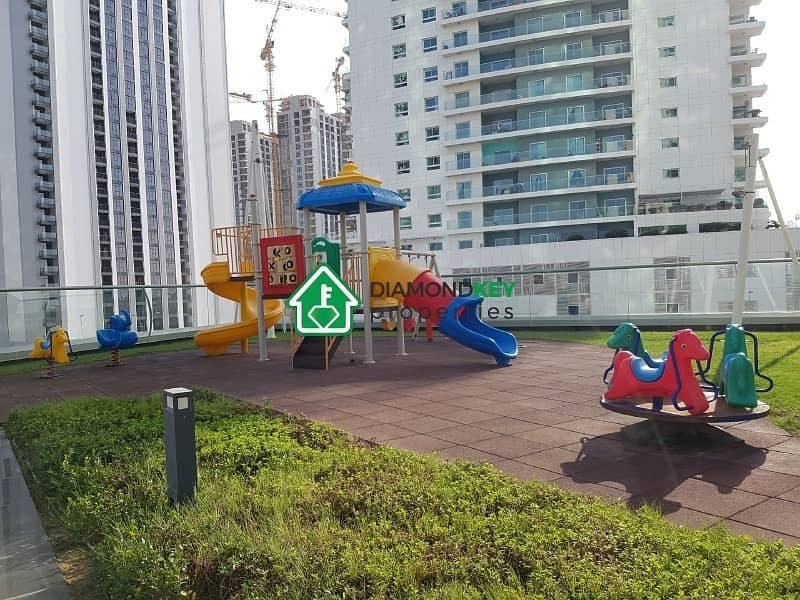 18 Stunning 2 Beds in Sea Side with Balcony