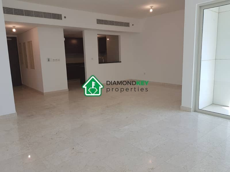 3 beds with balcony in Marina Square