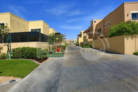 5 Bedroom Villa for Rent in Al Raha Gardens, Abu Dhabi - Superb Villa with Private Swimming Pool.
