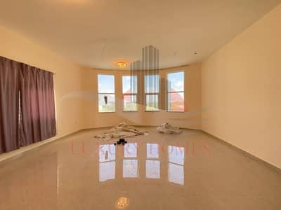 4 Bedroom Villa for Rent in Al Marakhaniya, Al Ain - Private Entrance Yard Close to Airport Round About