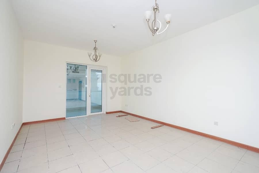 Spacious 2BR || Mid Floor || Ready To Move In