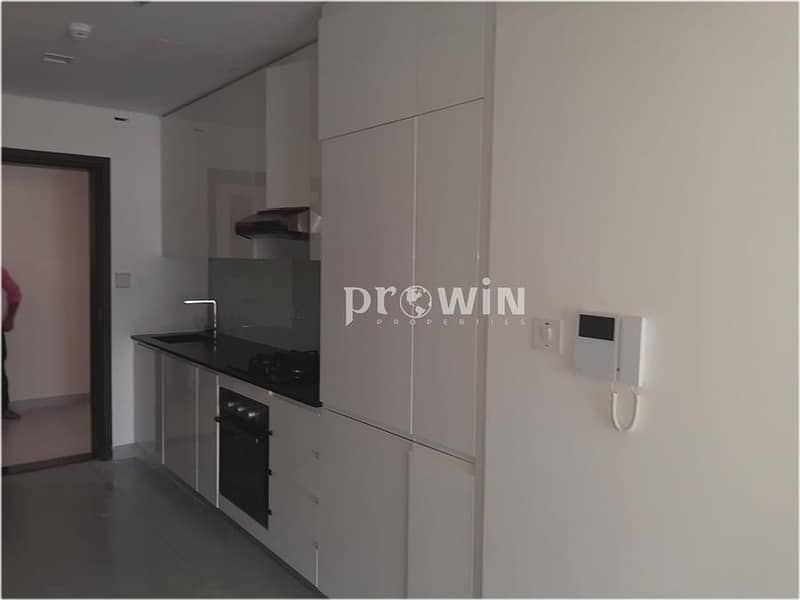 2 Best Deal | Excellent Studio | Prime Location | Up to 6 Cheques  !!!