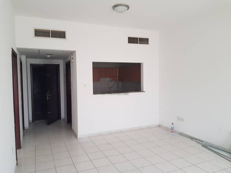 2 Spacious 1 Bed with Balcony Very Good Condition