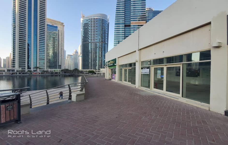 7 Retail Space with Amazing Lake View