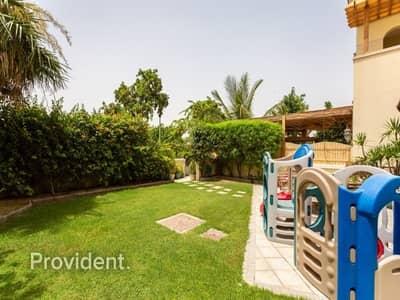 5 Bedroom Villa for Sale in Dubai Festival City, Dubai - Nice 5Bed+M Triplex Freehold Dream Home