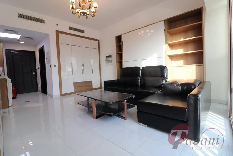 Luxurious unit| Chiller free| Close Metro Station