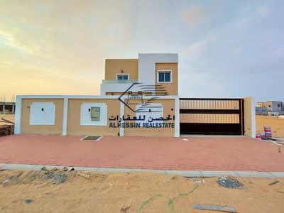 فیلا 4 غرف نوم للبيع في الزاهية، عجمان - فيلا للبيع بعجمان منطقة الزاهيه طابقين على شارع جار مباشرة مع امكانية التمويل البنكى