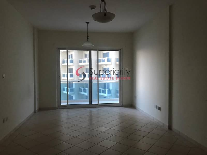 Without Parking   Unfurnished   Studio for Rent in Lago Vista B