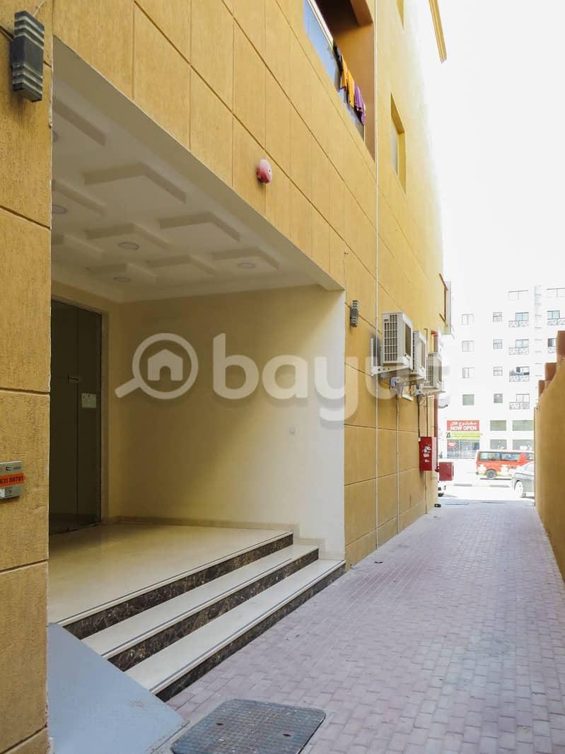 للايجار شقة غرفة وصالة في منطقة الروضة  قريبة من شارع الشيخ محمد بن زايد