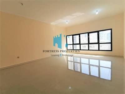 شقة 3 غرف نوم للايجار في منطقة النادي السياحي، أبوظبي - FOR FAMILY ONLY !! Stunning 3BR Modern Queens Lander Style Apartment in TCA