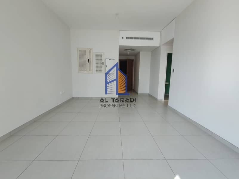 2 4 payments! Large One Bed with balcony