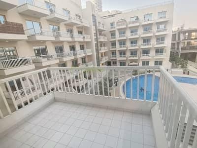 شقة 2 غرفة نوم للايجار في قرية جميرا الدائرية، دبي - Pool View |  Lavish 2 Bedroom Apt. | Kitchen Appliances | Knightsbridge Court