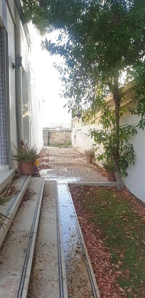 12 commercial villa for rent in Al Safa and AL WASL main road