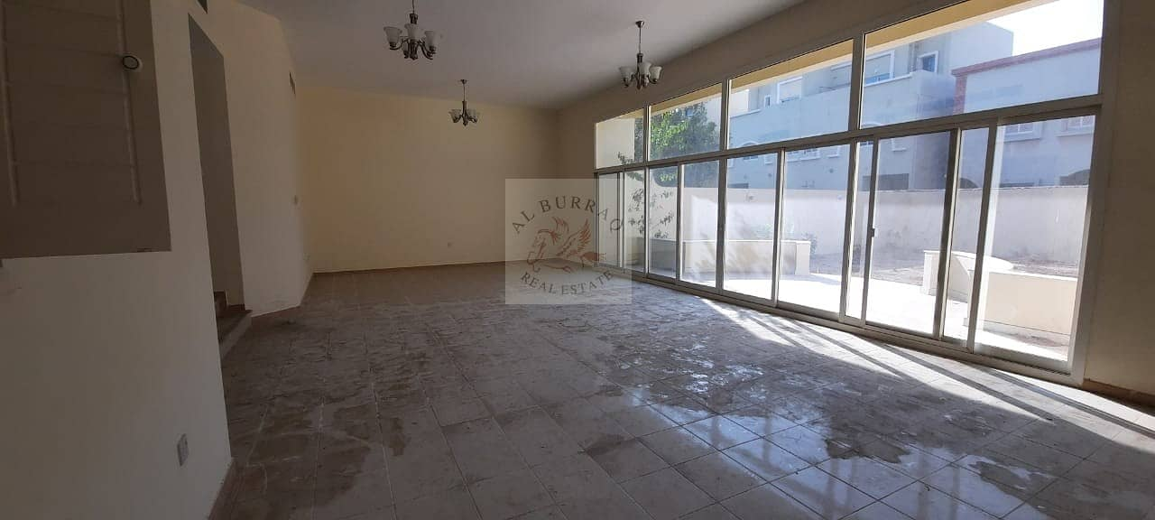 2 000 AED