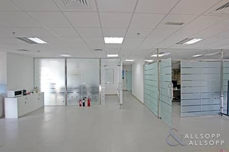 مکتب  للايجار في الخليج التجاري، دبي - Quality Fit Out | Open Space | Grade A Tower