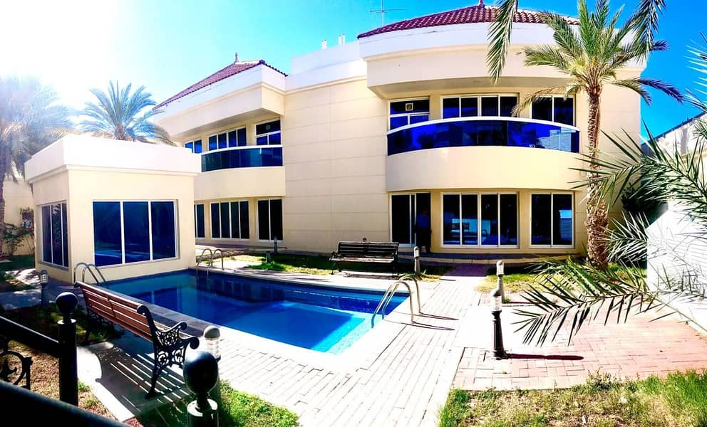 Good quality 4 bedroom plus maid compound villa with shared pool in Umm Suqeim 2