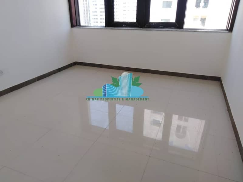 Perfect finishing & Pleasant 3 BHK w/ maid | Hurry Call Us!