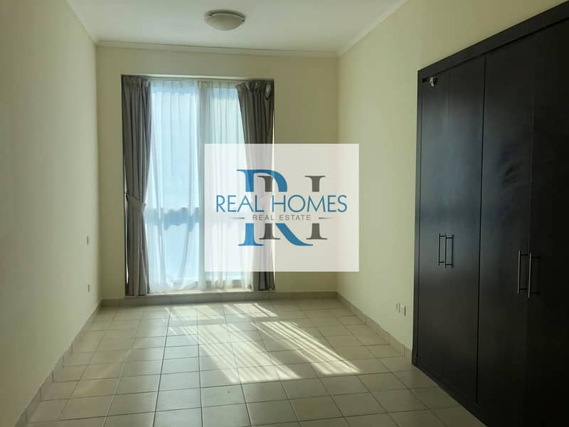 2 2 Bedroom with Laundry! Higher Floor! Partial Sea View