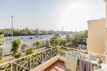 فیلا 3 غرف نوم للبيع في البحيرات، دبي - Deema 2-Lakes upgraded villa VOT