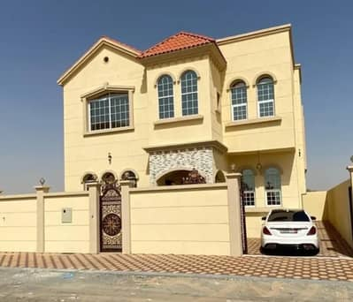 5 Bedroom Villa for Sale in Al Yasmeen, Ajman - From the owner, a villa for sale on the asphalt street and near the mosque, with a hotel design from the inside and a very wonderful finish without a commission for the real estate broker or a first payment to the bank with the possibility of free ownersh