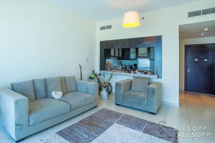 2 Exclusive  | 1 Bedroom Apartment  | Vacant