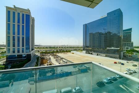 Studio for Rent in Business Bay, Dubai - Unfurnished Studio | Vacant & Bright | Safeer Tower 2