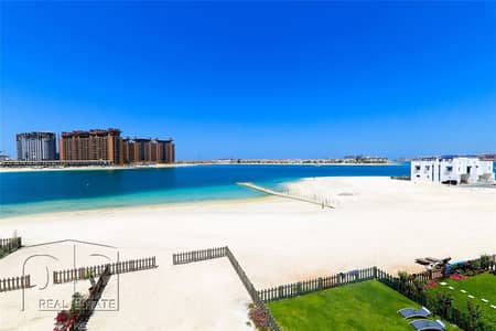 5 Bedroom Villa for Rent in Palm Jumeirah, Dubai - Iconic Beach Front Living|Complete Luxury