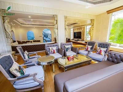 5 Bedroom Villa for Sale in Jumeirah, Dubai - Luxury Furnished | 5BR + M Villa | Massive Plot