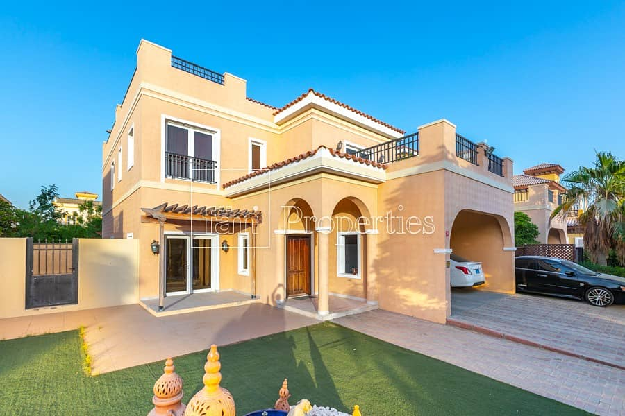 Huge Plot |5-bedroom Villa with Swimming Pool
