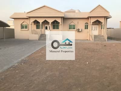 4 Bedroom Villa for Rent in Al Jurf, Ajman - Villa for rent, great location