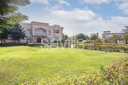 فیلا 11 غرف نوم للبيع في الجرينة، الشارقة - Spacious 12 BED villa with large plot